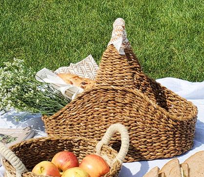 picnic basket - Martine Farrow.png
