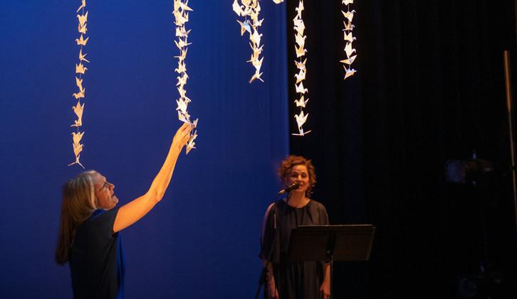 Beyond the Legal Limit 2021, with Pat Henman (sentre), Rachel DeShon as the Voice, photo by Emilee Wheeler