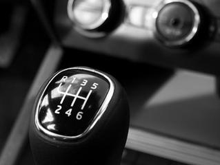 Contratar um seguro para carro antigo vale a pena?