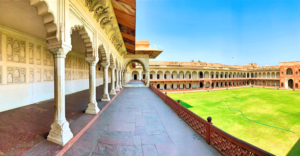 Der Innenhof vom Roten Fort, Agra.