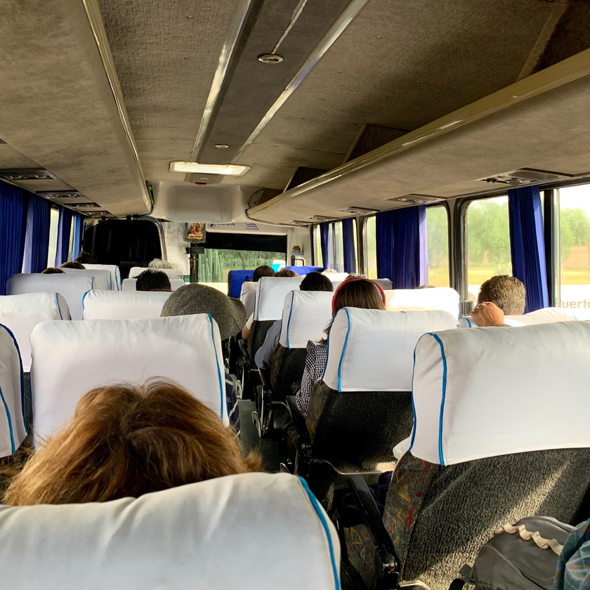 Busfahrt nach Teotihuacán