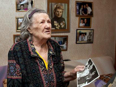 Делегация СКФО поздравила ветерана труда Валентину Ивановну Хрящеву с 8 Марта
