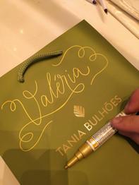 Tania Bulhões - Ação caligráfica