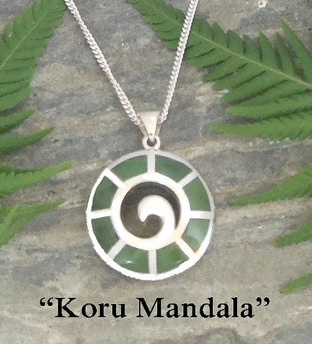 """NZ Pounamu """"Koru Mandala """" Greenstone Silver Pendant + Chain   G3414"""