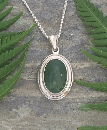 Beautiful Gift NZ Pounamu Sterling Silver Pendant  G3044