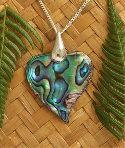 """Love Heart""NZ Paua Pendant - Sterling Silver Bail & Silver Chain 8897bx"