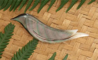 """Black Bird"" Black Pearl Shell Brooch  96055bx"