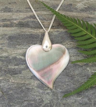 Beautiful Black Pearl Heart Pendant (98815BX)