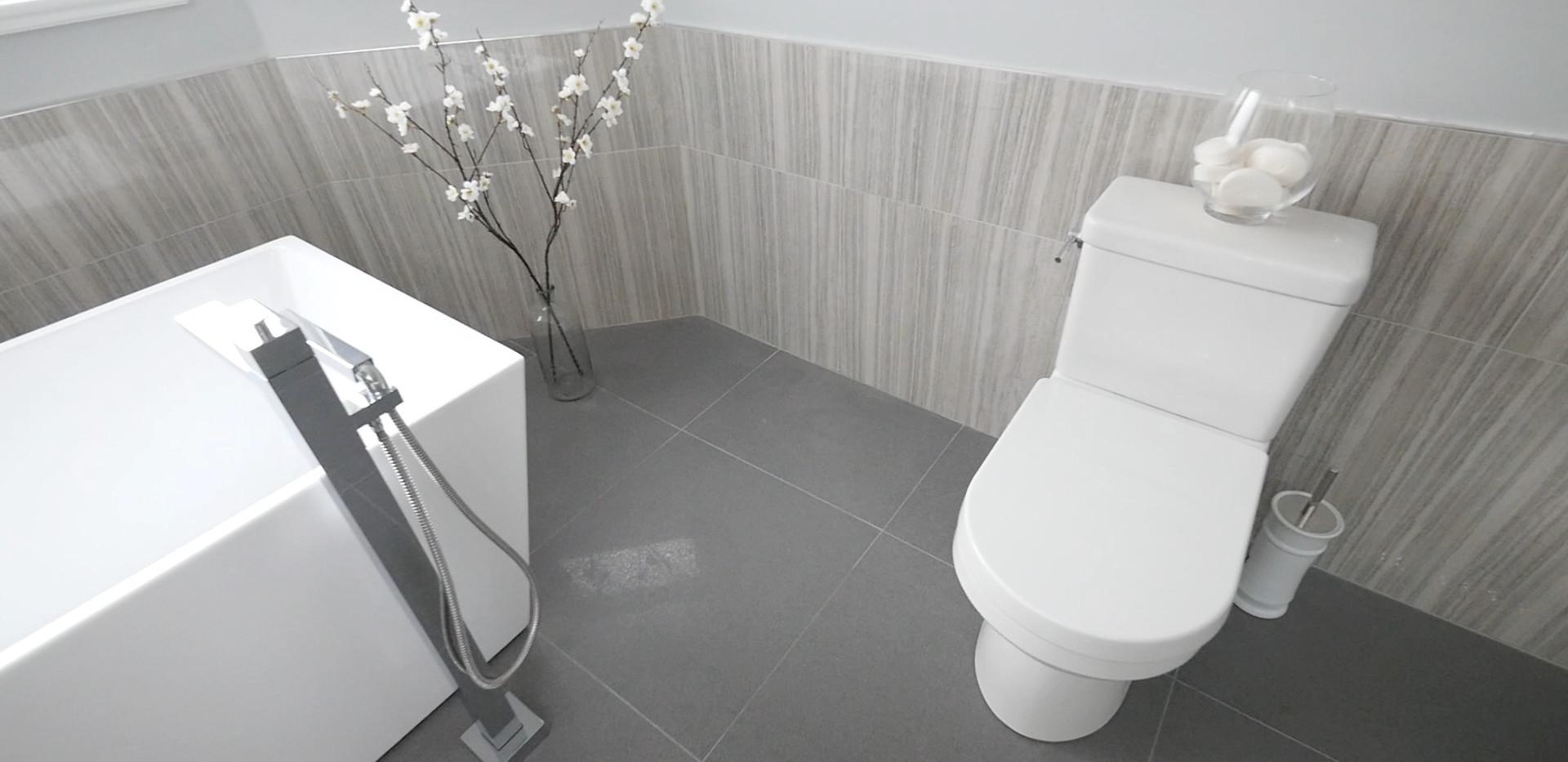 Ensuite Bathroom 8.jpg