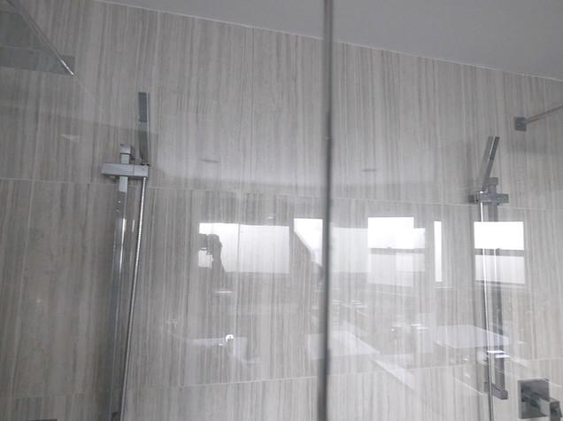 Ensuite Bathroom 33.jpg