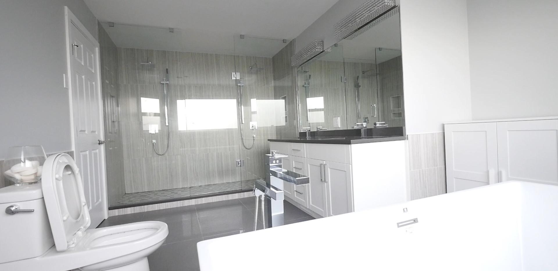 Ensuite Bathroom 1.jpg