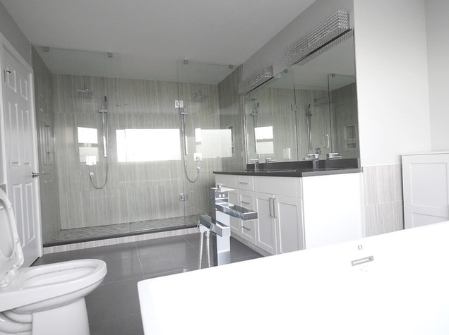 Ensuite Bathroom 1.jpg