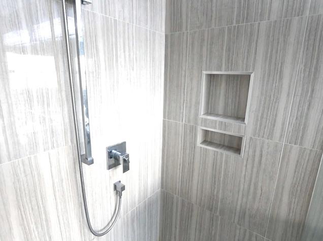 Ensuite Bathroom 26.jpg