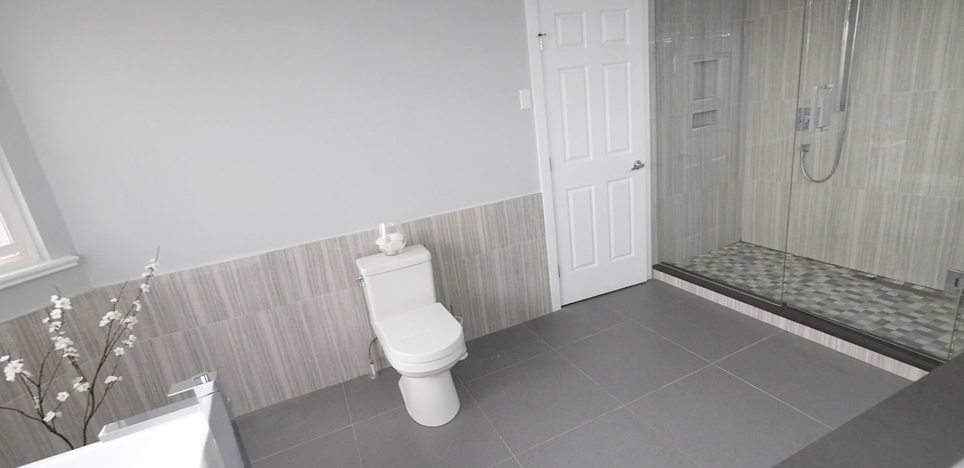 Ensuite Bathroom 22.jpg
