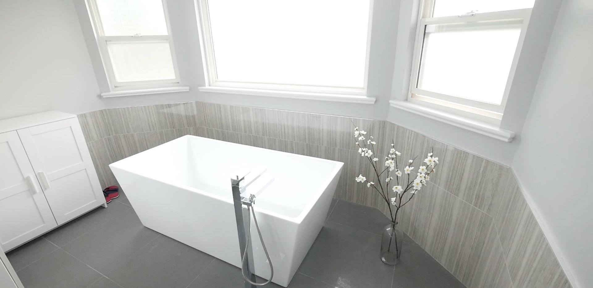 Ensuite Bathroom 3.jpg