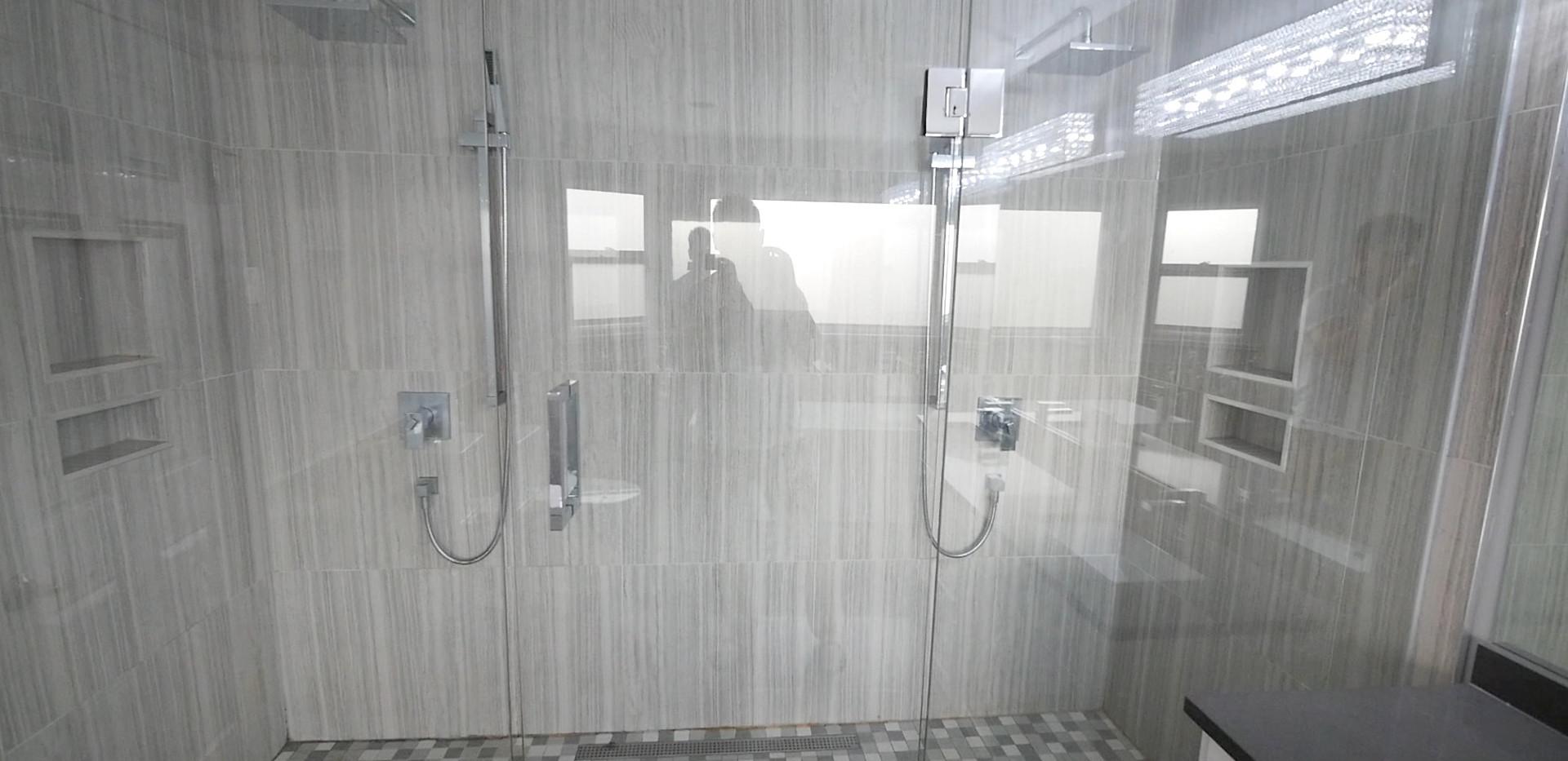 Ensuite Bathroom 12.jpg