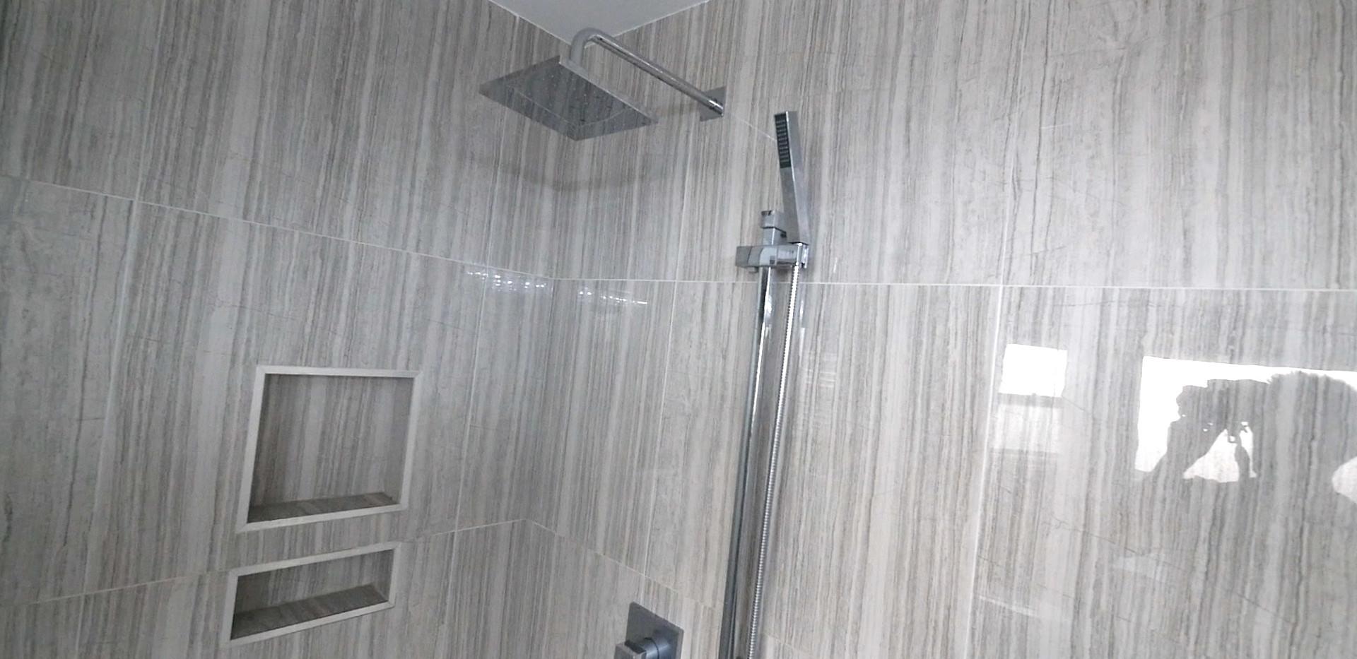 Ensuite Bathroom 24.jpg