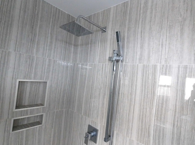 Ensuite Bathroom 24.jpg