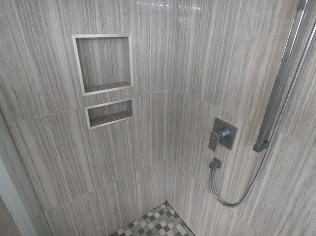Ensuite Bathroom.jpg