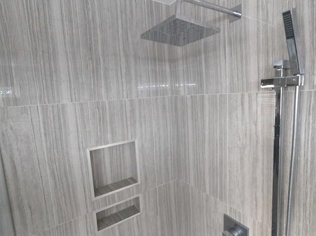Ensuite Bathroom 27.jpg