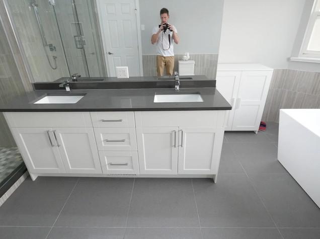 Ensuite Bathroom 5.jpg