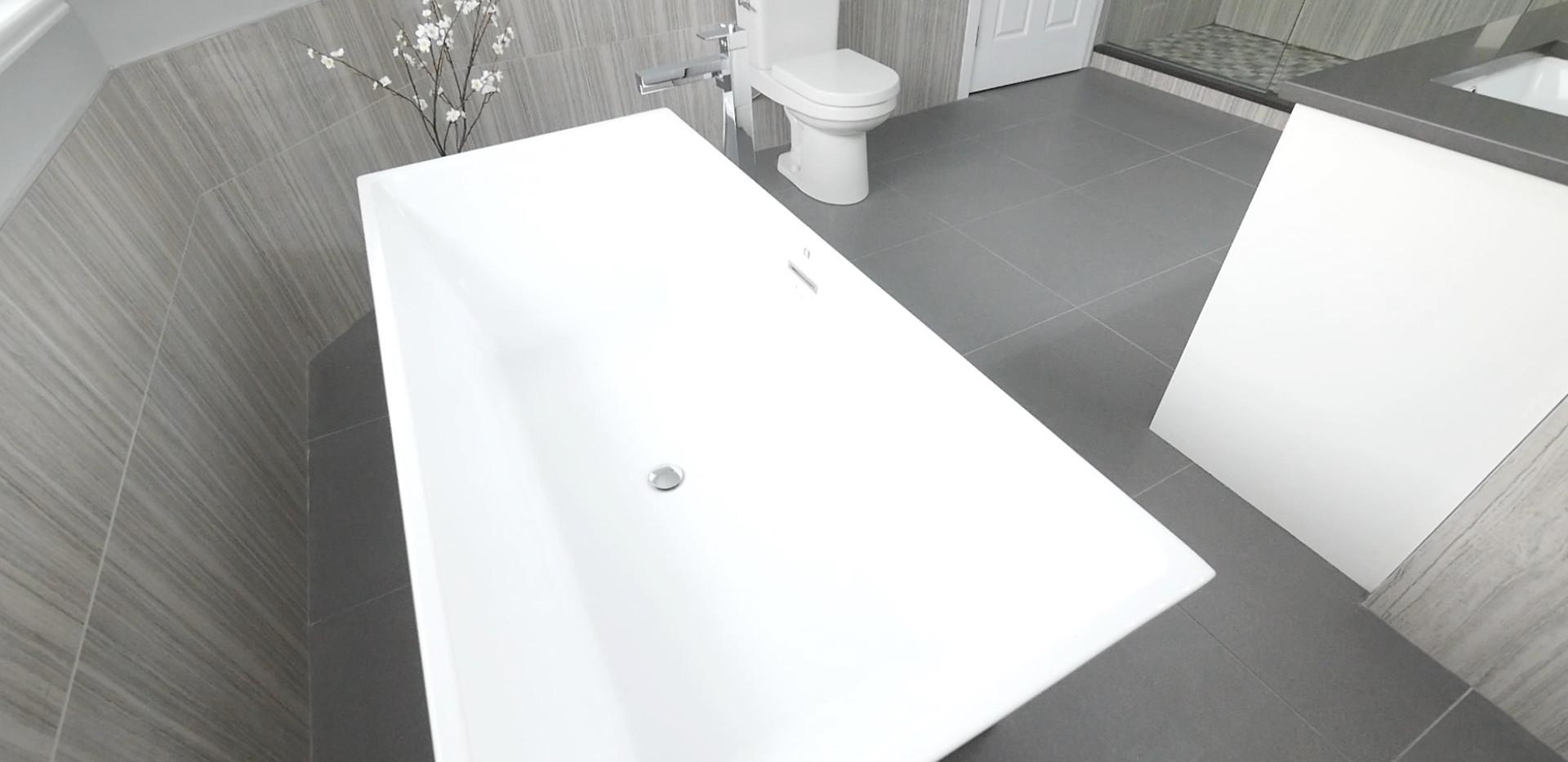 Ensuite Bathroom 19.jpg