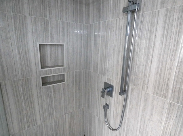 Ensuite Bathroom 23.jpg