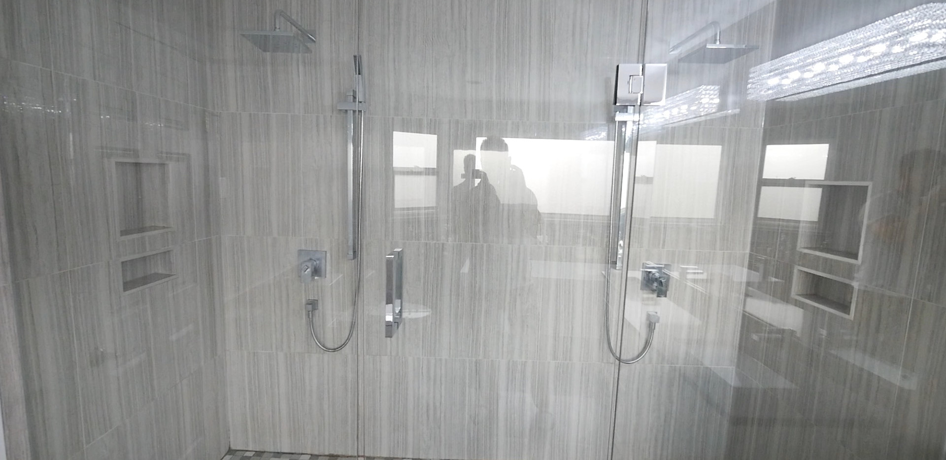 Ensuite Bathroom 11.jpg