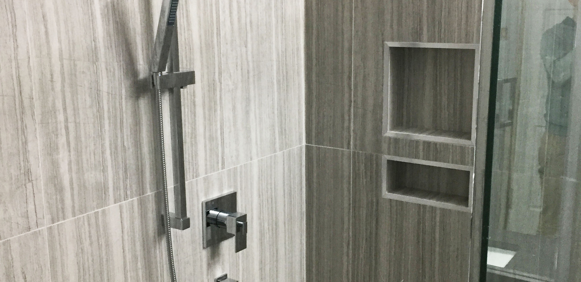 bathroom08.jpg