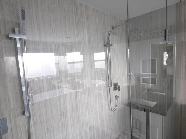 Ensuite Bathroom 28.jpg