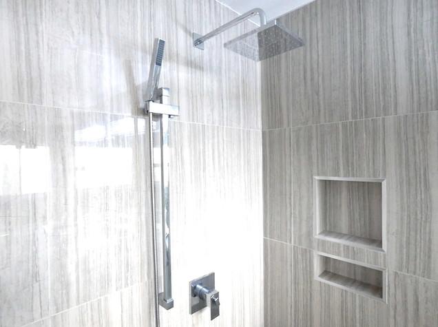 Ensuite Bathroom 25.jpg