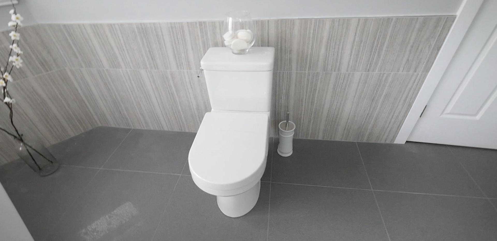 Ensuite Bathroom 9.jpg
