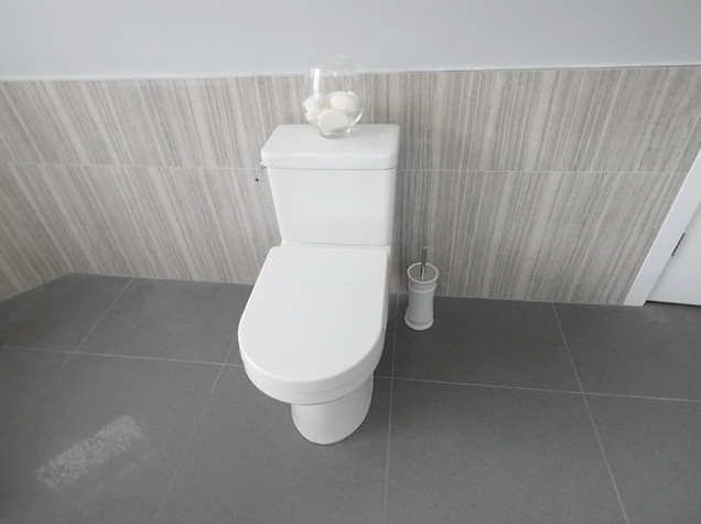 Ensuite Bathroom 9.jpg