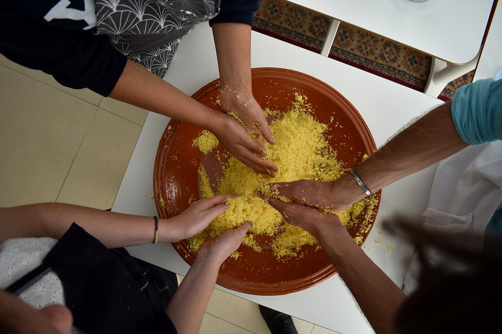 Arabic students learn to make Moroccan couscous