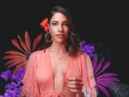 DEBI NOVA Nominada al Grammy 2021 al mejor álbum latino pop o urbano por 3:33