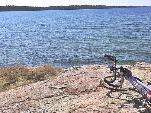 cycling-1000-islands-halsteads-bay-ontar