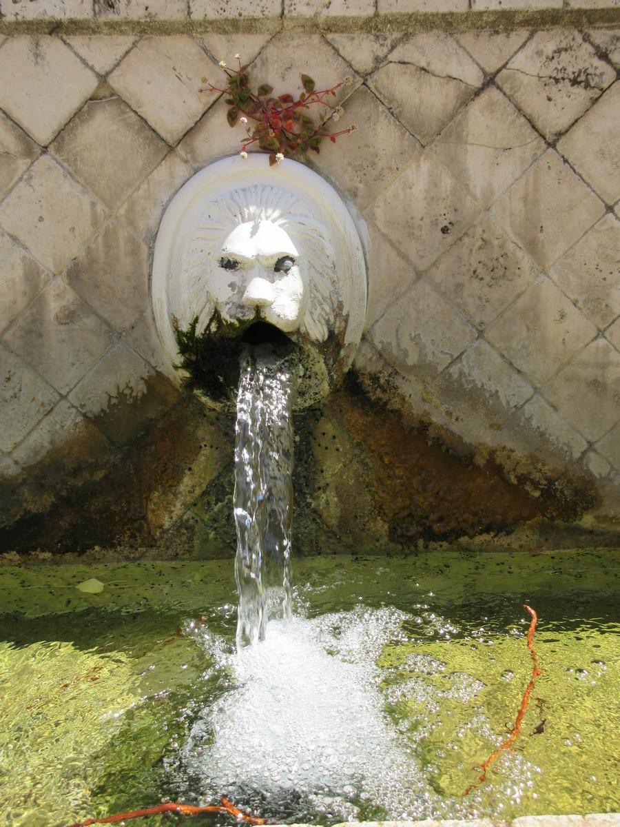 Fontaines vénitiennes à SPILI