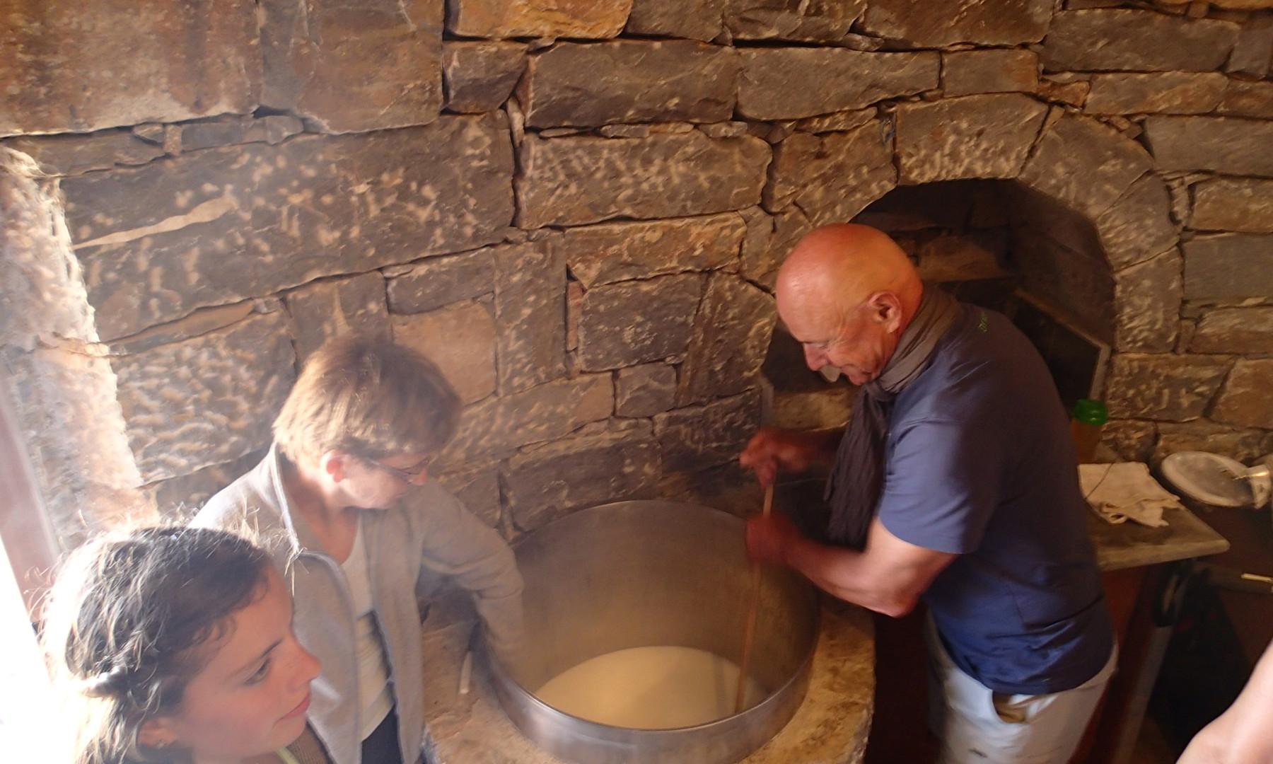fabrication de fromage avec Papa Andrea