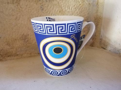 Tasse bleue motifs méandres
