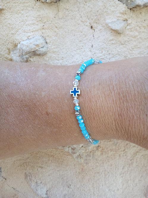 Bracelet perles bleus et croix