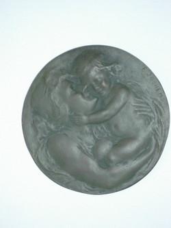 Moederliefde (medaillon)