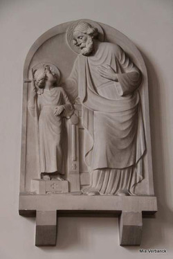 H. Jozef met Jezus in witte steen