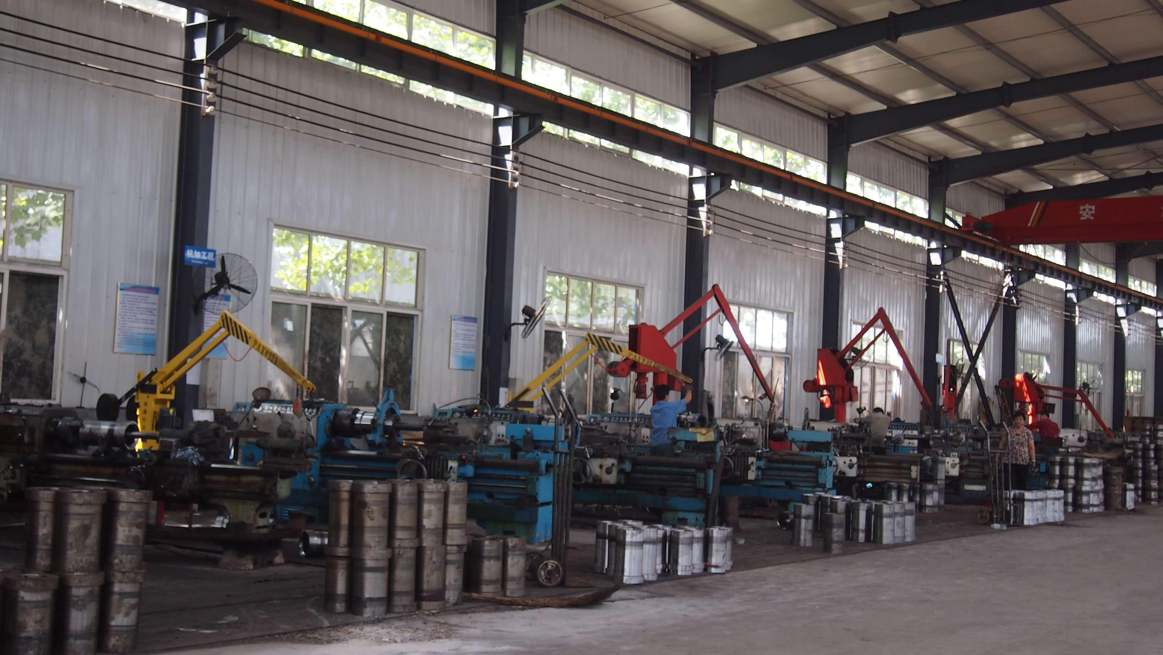 jinan longchao mud pump parts factory3
