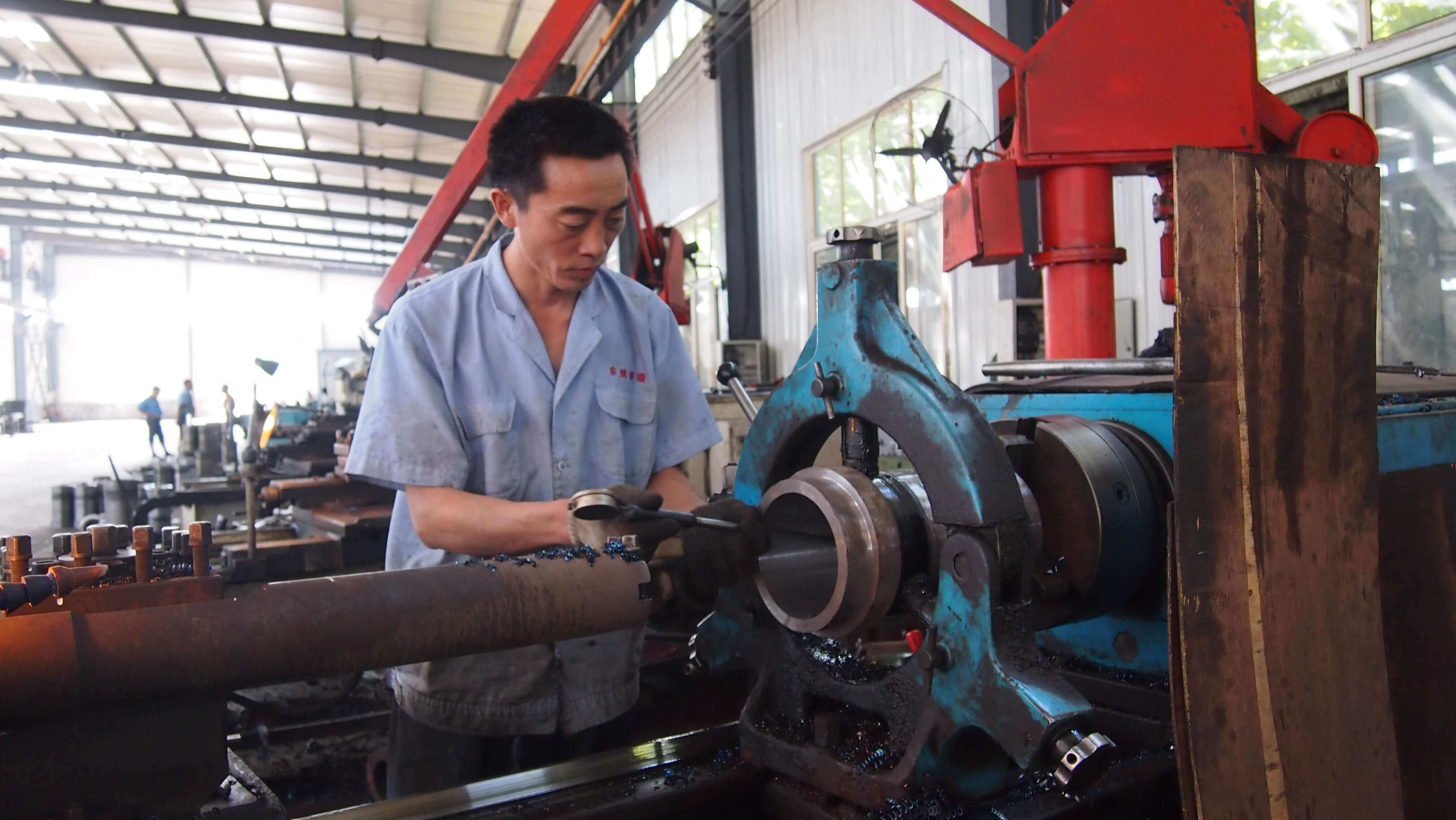 jinan longchao mud pump parts factory8