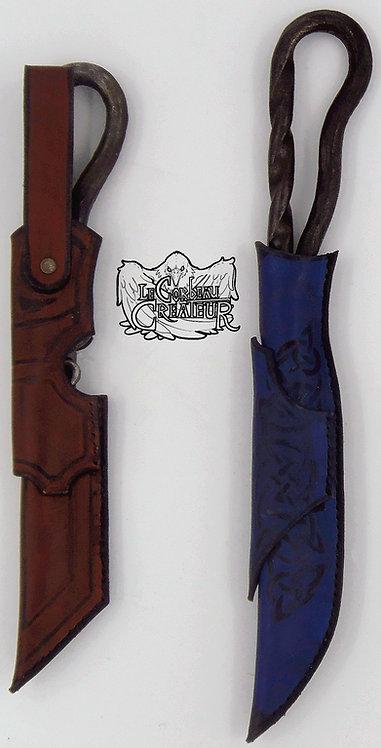 Couteaux et leurs étuis