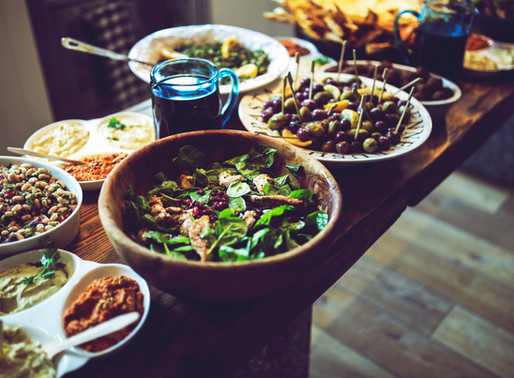 3 Survival Tips for Potlucks and Buffets