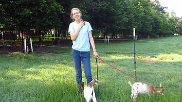 woof farm experience - female organic vegetable farmer
