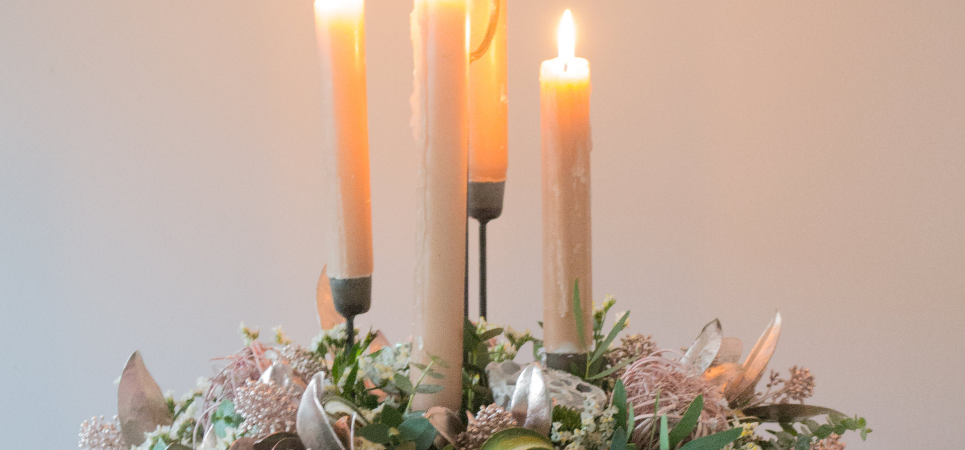 'Graceful heirloom' Christmas floral table arrangements