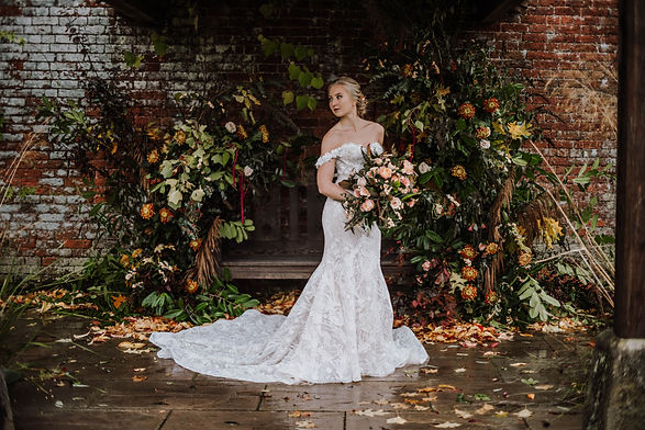 Combermere Abbey - Jacqui O - autumn wed