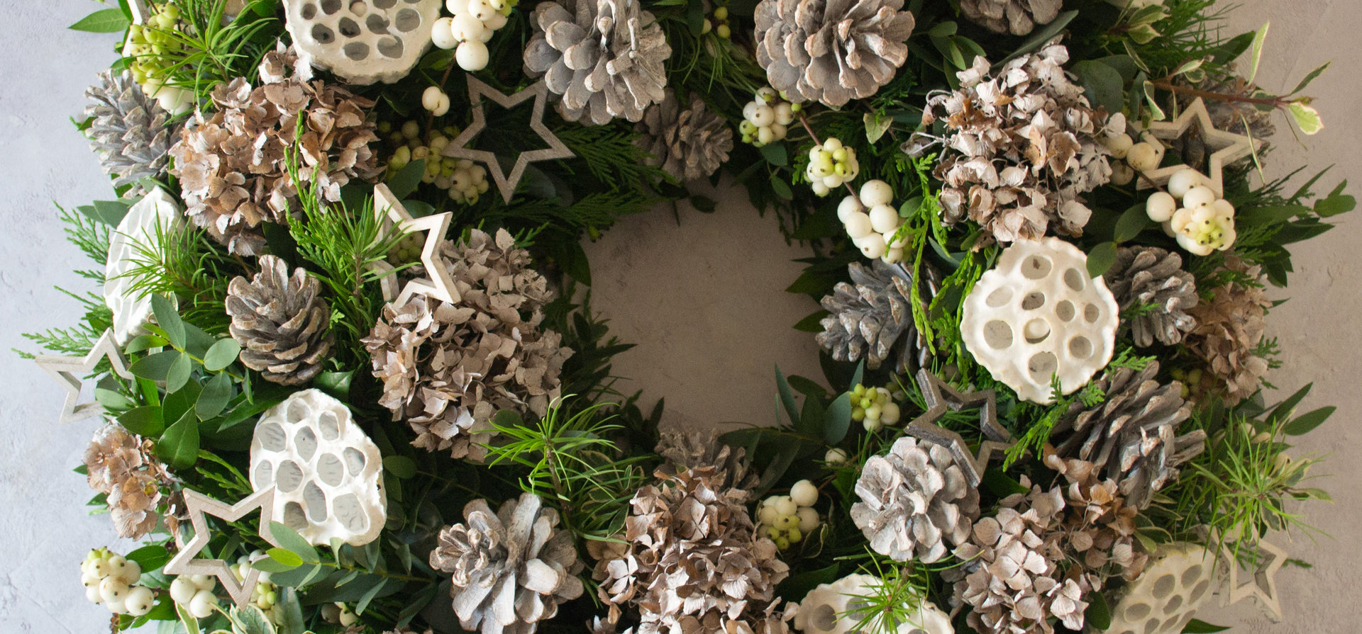 Snowberry wreath